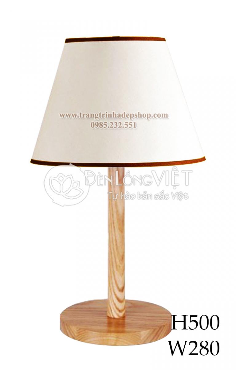 Đèn để bàn chân đế gỗ mẫu 146