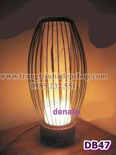 Đèn để bàn chân đế gỗ mẫu 150