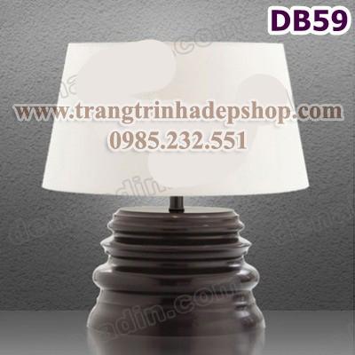Đèn để bàn chân đế gỗ mẫu 153