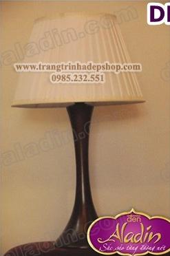 Đèn để bàn chân đế gỗ mẫu 154