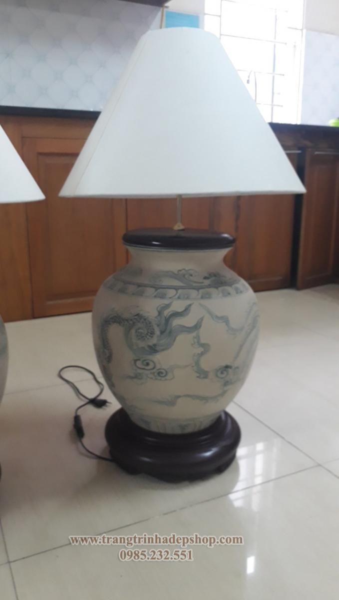 Đèn để bàn chân gốm sứ mẫu 17